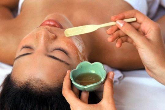 cách trị nám da mặt sau sinh bằng dầu oliu