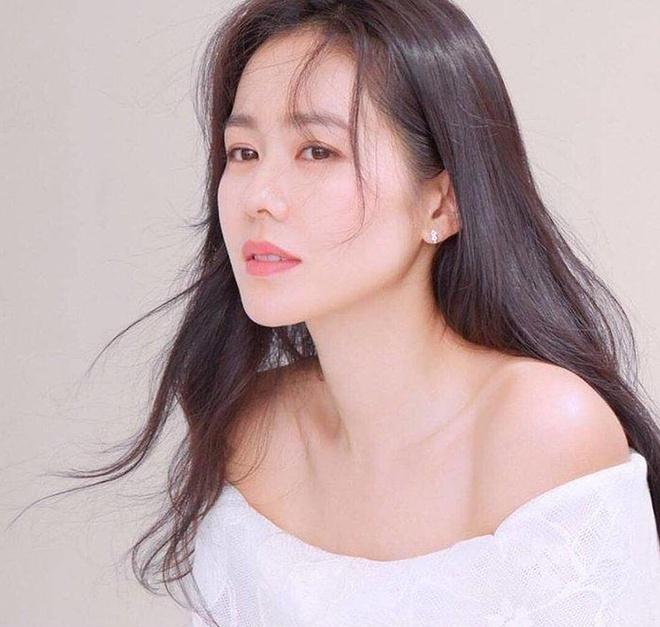 Bí quyết làm đẹp tại nhà trẻ hơn 10 tuổi của chị đẹp 38 tuổi Son Ye Jin