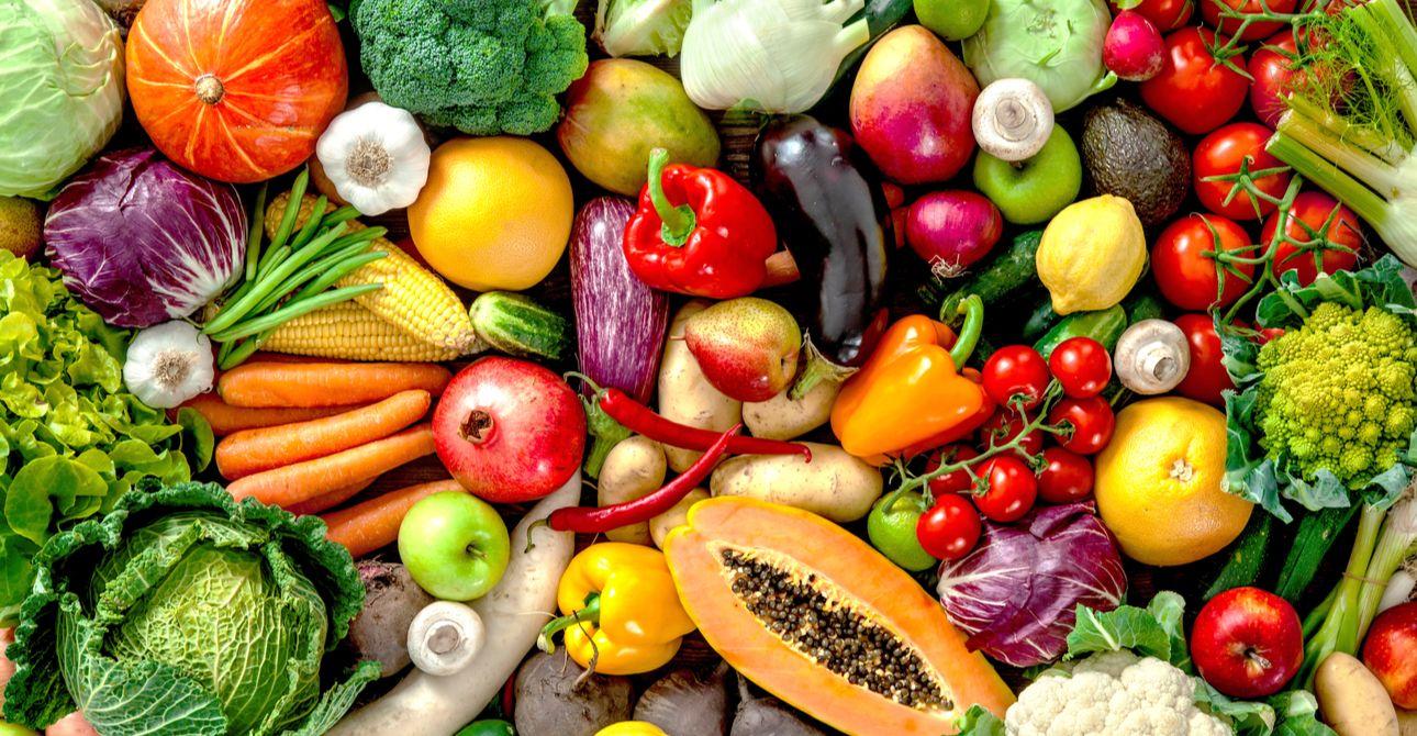 Vitamin A, E tạo lớp màng bảo vệ làn da trước môi trường ngoài